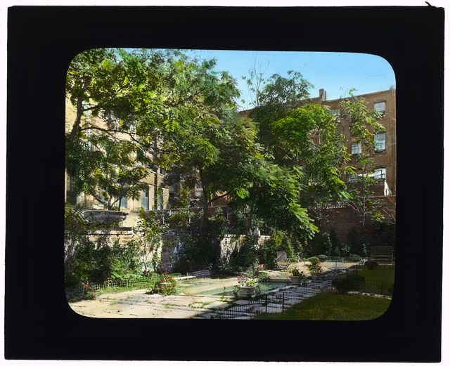"""[""""Jones Wood"""" townhouses, East 65th and East 66th Streets between Lexington and Third Avenues, New York, New York. Reflecting pool on south terrace]"""