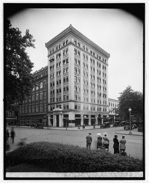 McLachlen Banking Corp., [10th and G Sts., N.W., Washington, D.C.]