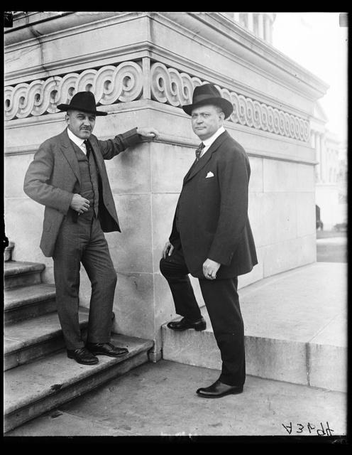 [Men at U.S. Capitol, Washington, D.C.]