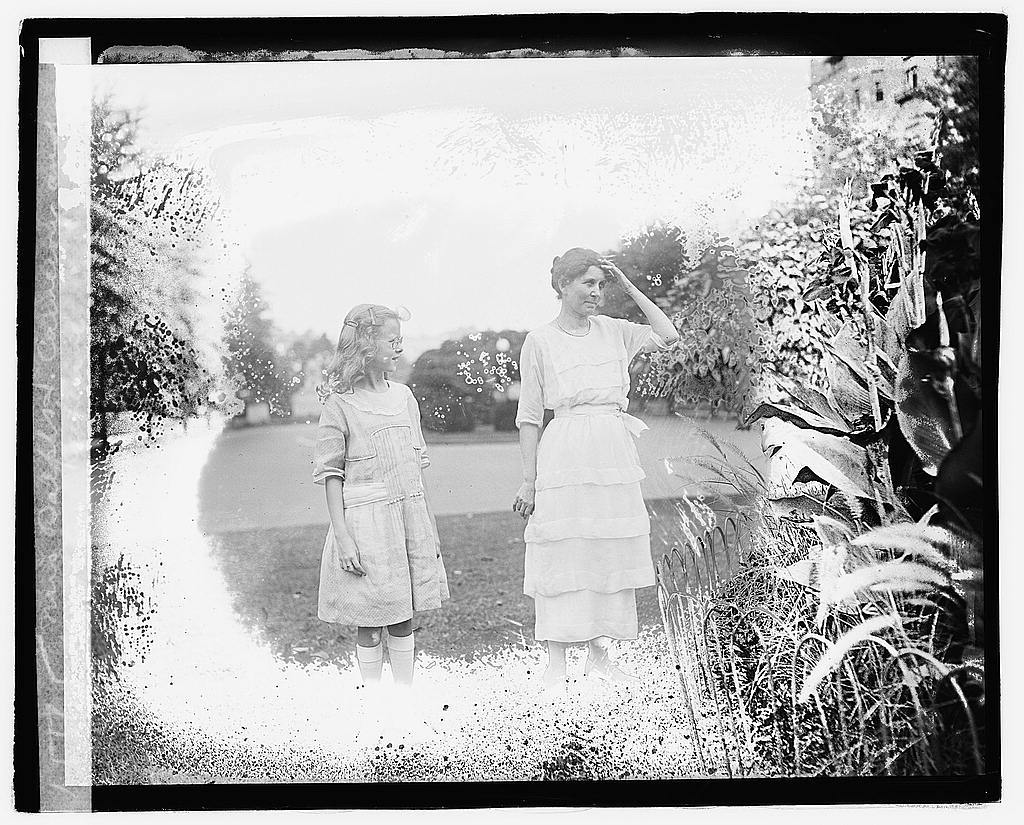 Mrs. Ralph H. Cameron and daughter Katherine