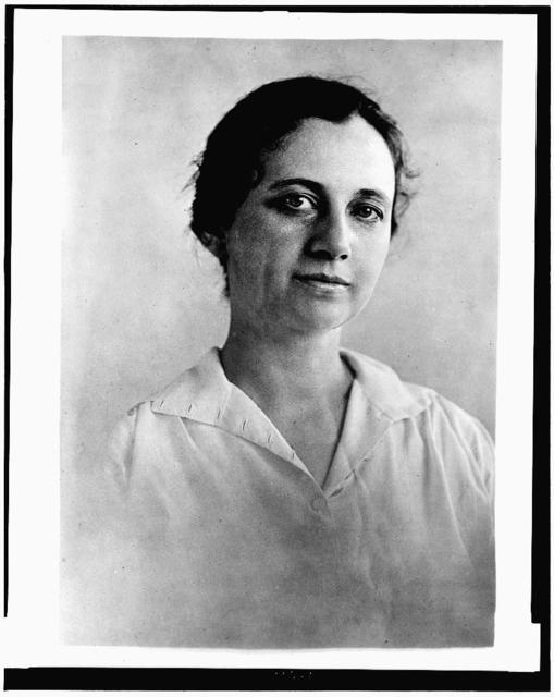 "Mrs. R.W. Huck, daughter of ""Billy"" Mason-- / photo by Bain News Service, New York."