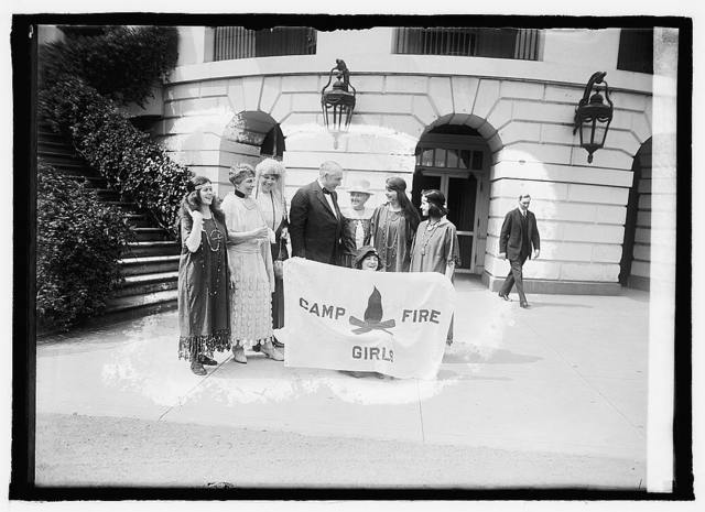 Pres. & Mrs. Harding & Campfire Girls, [6/17/21]
