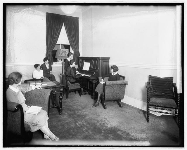 Salvation Army, Dewey Hotel, parlor, [Washington, D.C.]