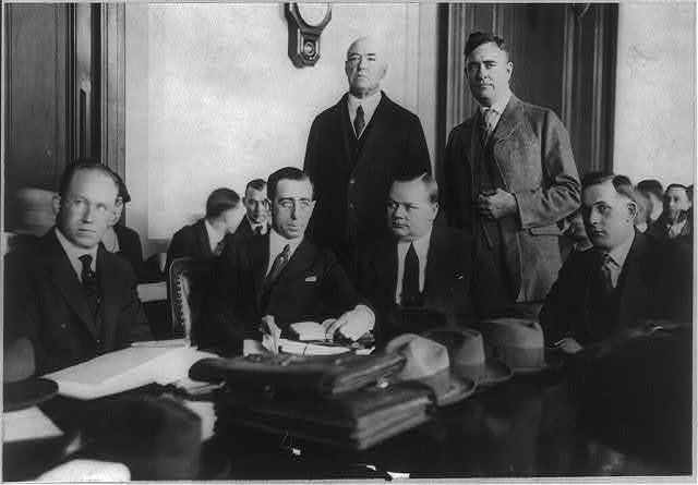 """[T.M. Smalevitch [i.e., Schmulewitz], Milton Cohen, Gavin McNab, Charles Brennan, Roscoe (""""Fatty"""") Arbuckle, and Arbuckle's brother at trial, in San Francisco, of Arbuckle on manslaughter charge]"""