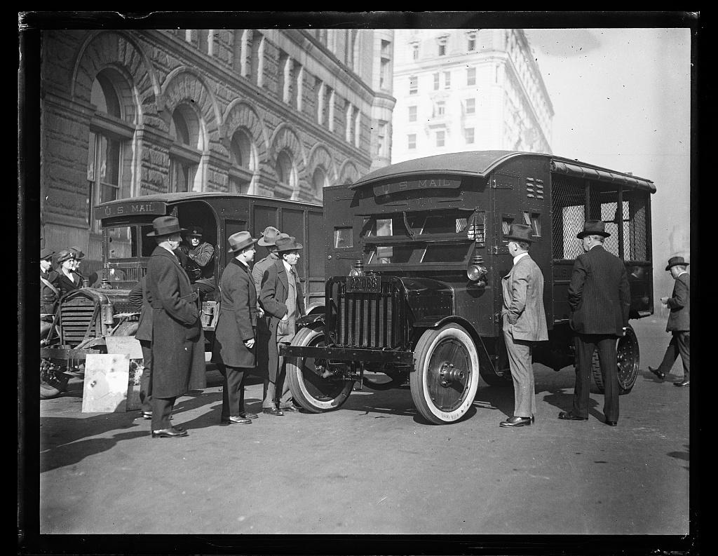 [U.S. Mail trucks, Washington, D.C.]