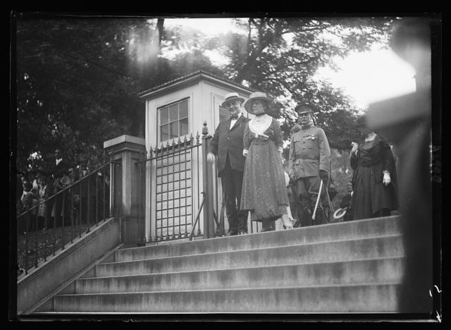 [Warren G. and Florence Harding. White House, Washington, D.C.]