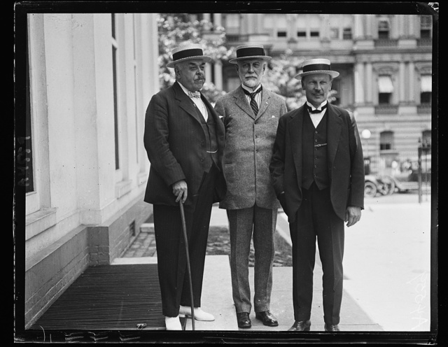 "Arthur Brauscombe, author of ""The Cradle of the Washington and the Home of the Franklins;"" Andrew B. Humphrey, Secy. of Sulgrave Manor, N.Y., and Herbert W. Thompson, of London, calling at White House. Mr. Brauscombe's book will be filmed and the proceeds will assist in paying for Sulgrave manor, recently a gift to the U.S. June 28, 1922"