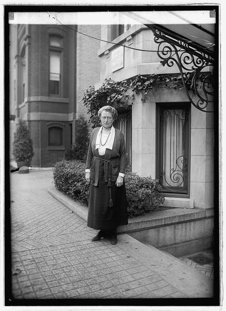 Mrs. Jno. Dickinson Sherman, [11/18/22]