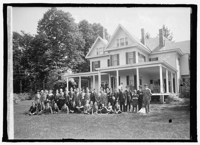 Page boys at R. Walton Moores, [5/8/22]