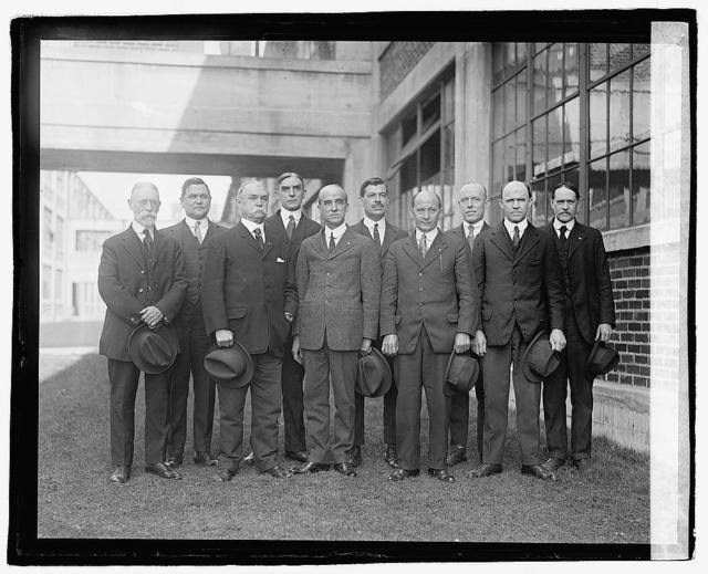 Engravers Group, Navy Dept., 3/13/22