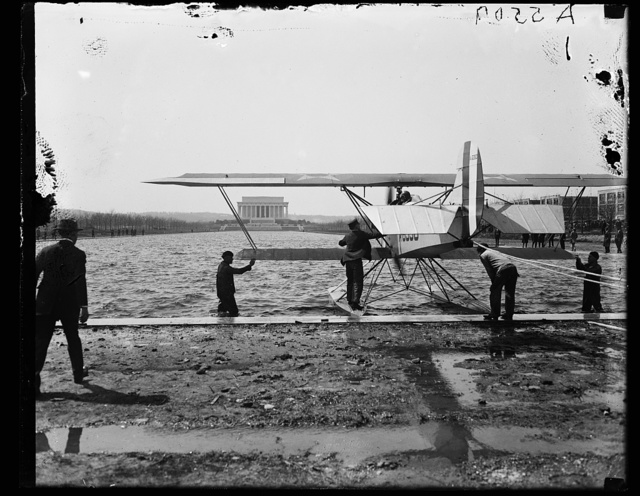 [Amphibian aircraft on reflecting pool in front of Lincoln Memorial, Washington, D.C.]