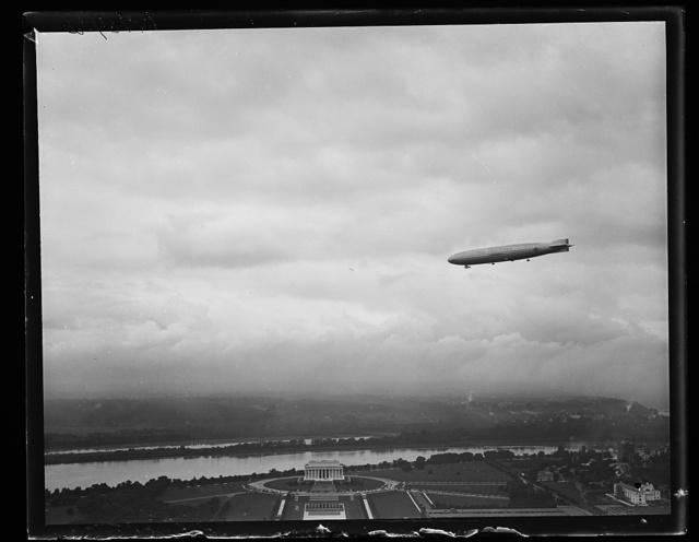 [Blimp over Lincoln Memorial, Washington, D.C.]