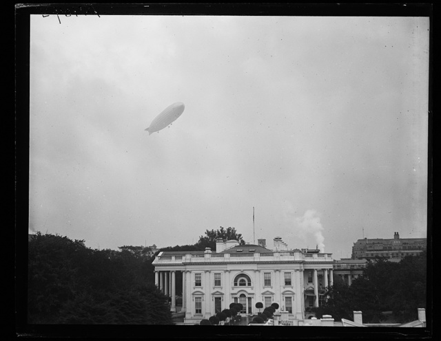 [Blimp over White House, Washington, D.C.]