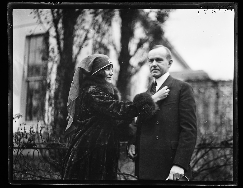 [Calvin Coolidge and woman from Red Cross. White House, Washington, D.C.]