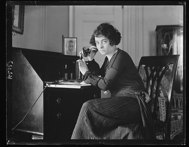 Mrs. Wallace Reid in Wash. attending narcotic meeting