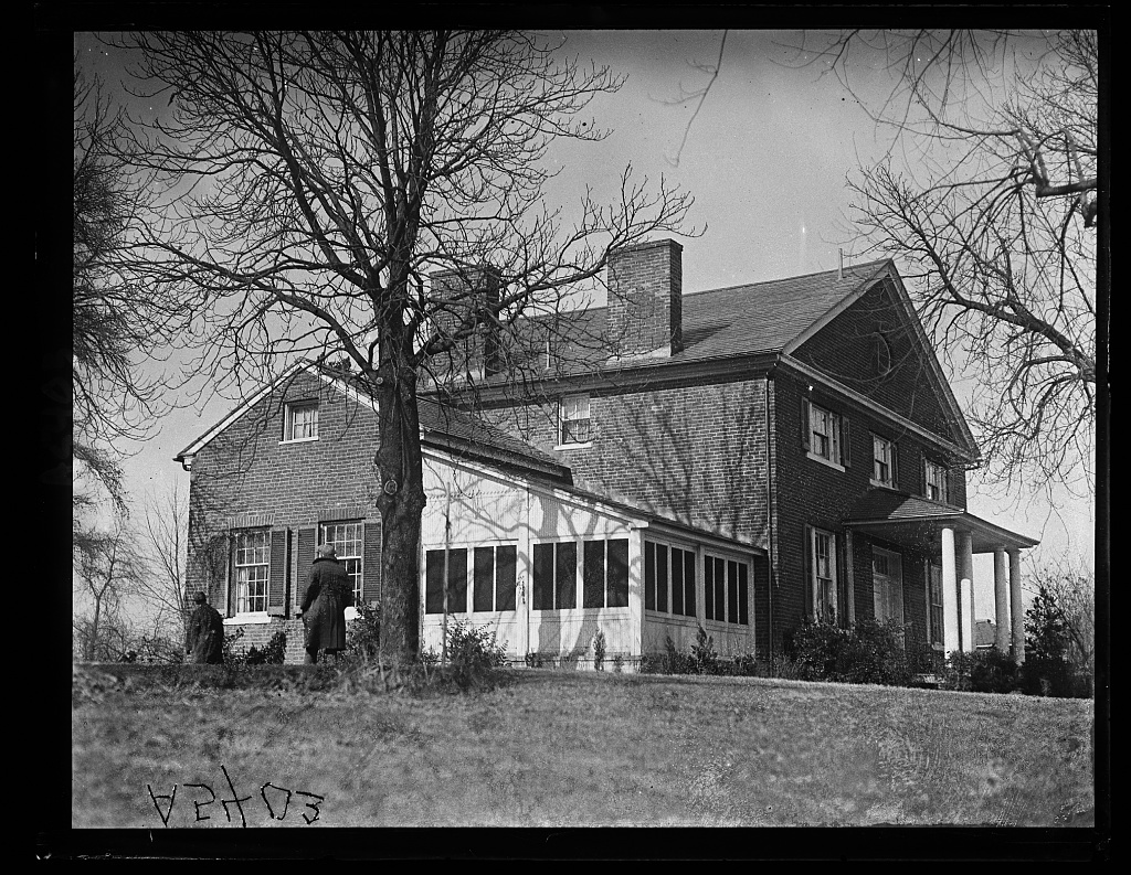 Rep. Campbell's House. Abingdon. One time Washington's house in Va.