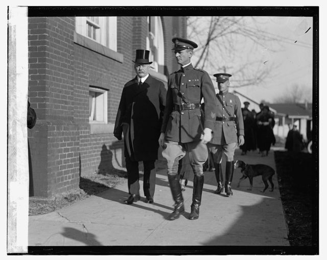 Secty. Weeks & Maj. J.W. Wainwright