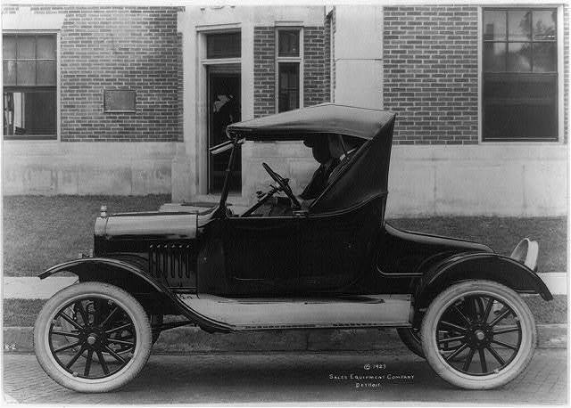 [Side view of a Ford roadster]