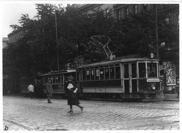 Trolley cars, Vienna, Austria