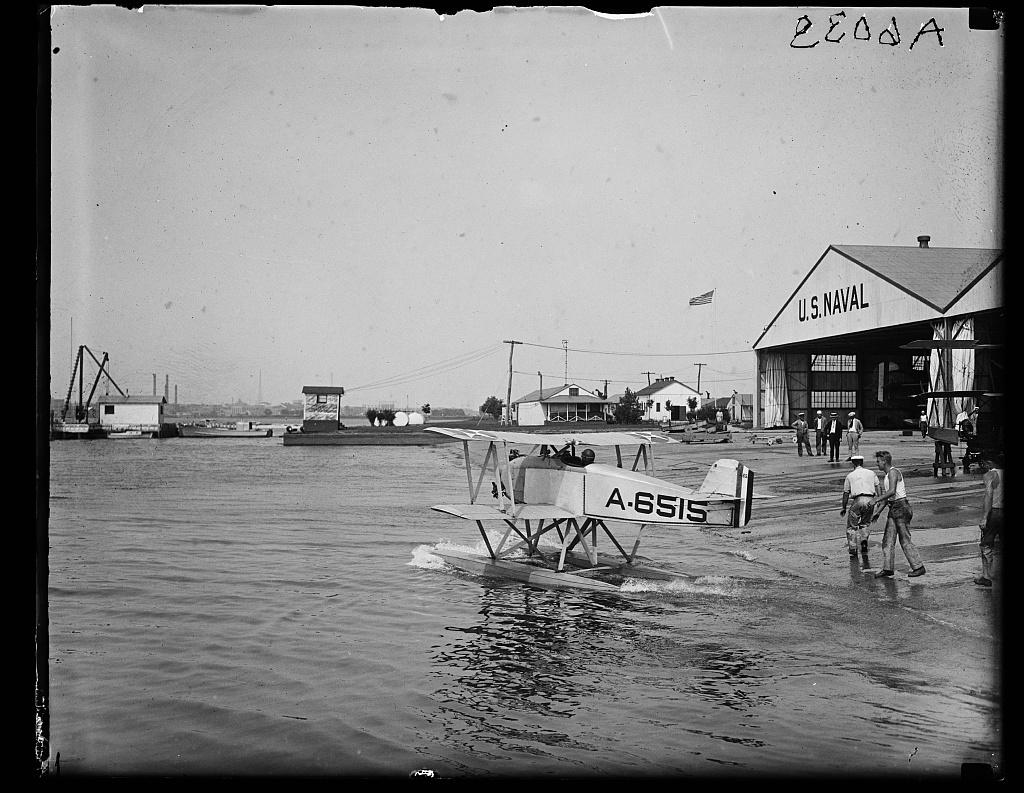 [U.S. Naval amphibian aircraft]