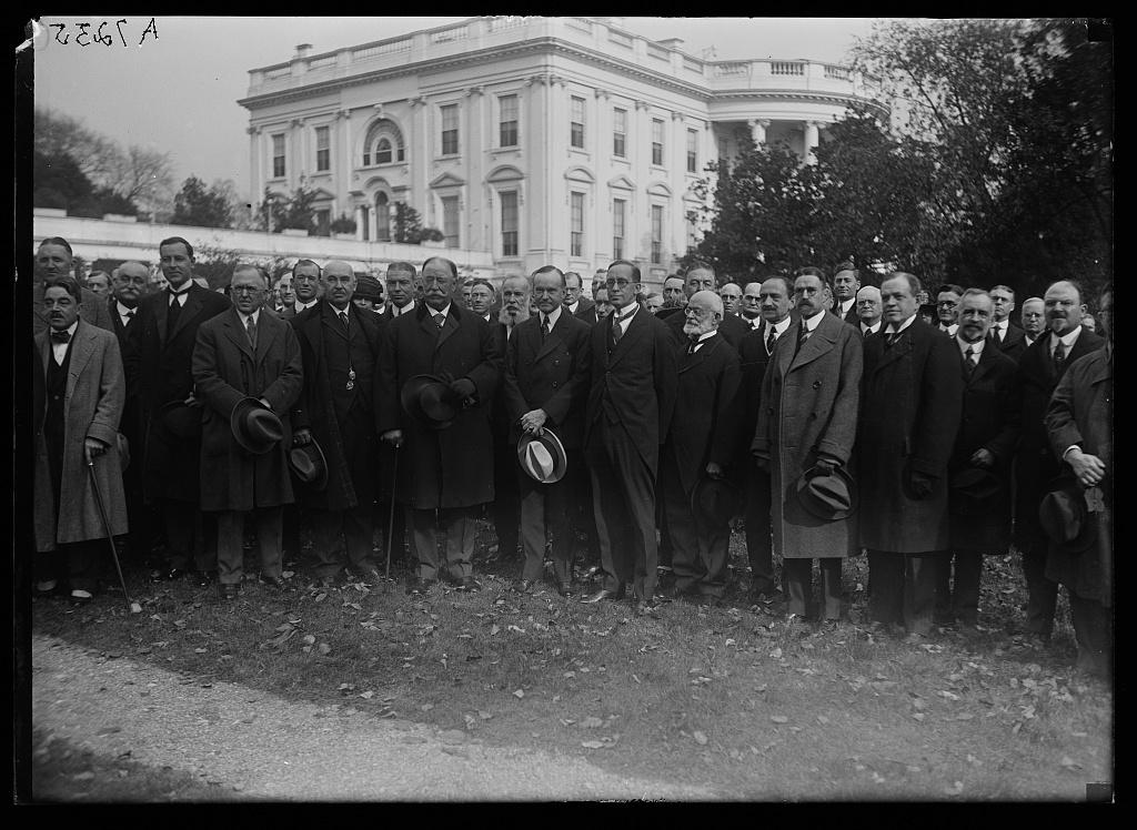 [William Howard Taft, Calvin Coolidge and group outside White House, Washington, D.C.]