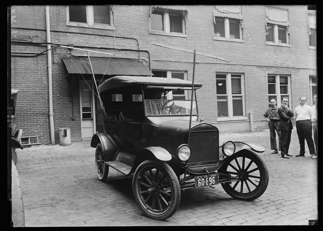 Auto equipped with radio (made for Pot. Elec. Power Co.)