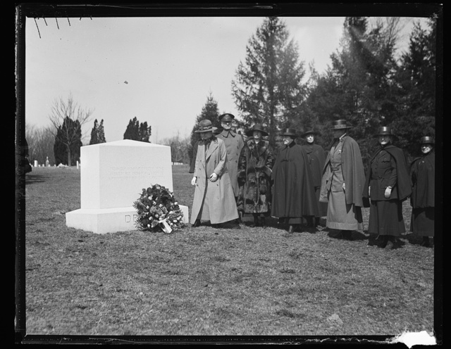 Dame Maud McCarthy, Matron-In-Chief of the British Army Nursing Corps laid a wreath on the tomb of Jane Delano, Red Cross Nurse