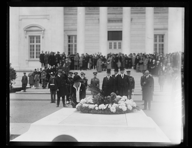 [Grace Coolidge placing flower on Tomb of Unknown Soldier, Arlington National Cemetery, Arlington, Virginia]