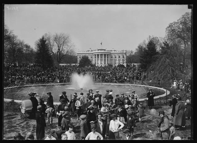 [Large group, White House in background. Washington, D.C.]