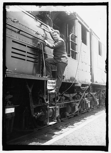 Largest electric loco. & Cong. J.C. Schafer, 6/25