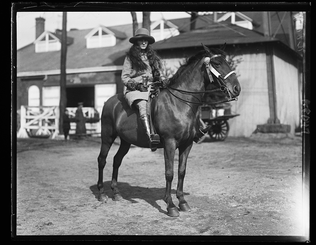Mary Parker Corning, winner of Blue Ribbon Cup, Children's Class at Ft. Myer
