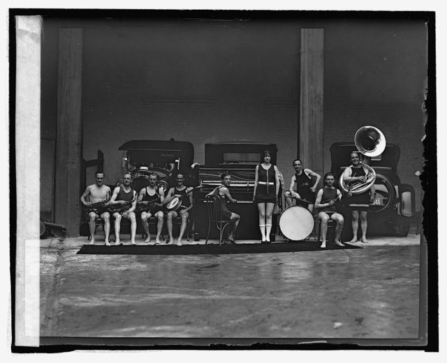 Miss Washington ( Helen L. Sweeney) and Le[...] Paradis orchestra at Wardman Park pool