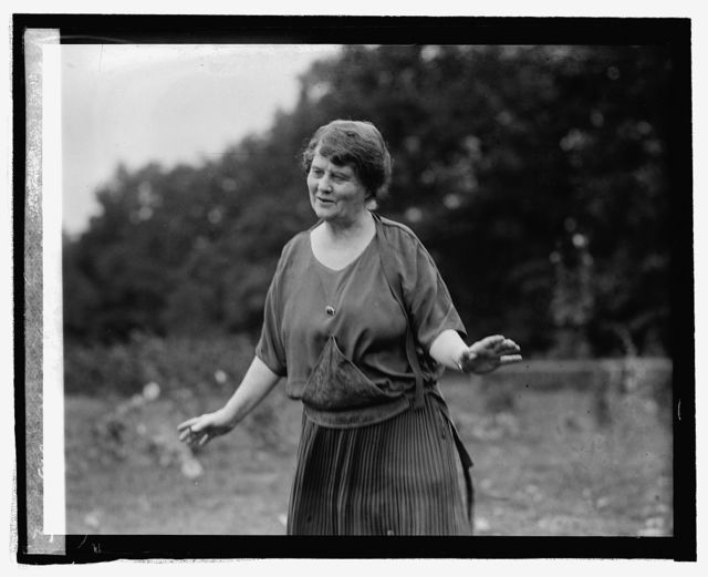 Mrs. LaFollette at Mt. Lake Park, Md., [9/29/24]