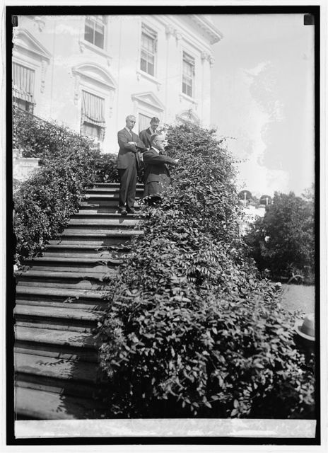 Pres. Coolidge addressing Natl. Retail Druggists, [9/24/24]