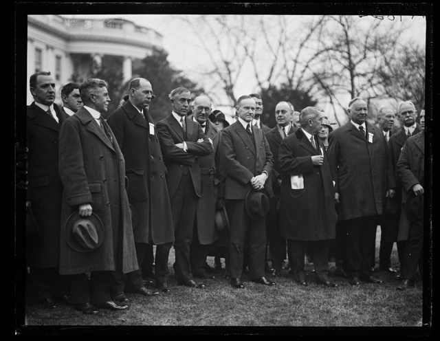 Pres. Coolidge, C. Bascom Slemp with members of the Lee Highway now in Wash. [White House, Washington, D.C.]