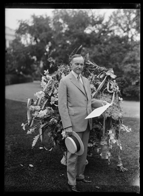 Pres. Coolidge on July 4th received weath from Florist Telegraphers Assoc. on his birthday [White House, Washington, D.C.]