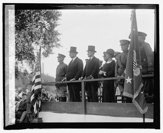 Reviewing stand, Defense Day Parade, [9/12/24]