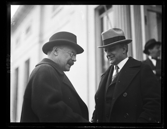 Sen. Magnus Johnson of Minn., left, and Secy. of Labor Davis discovered in a talk at the White House that they both have been glassblowers in their early days
