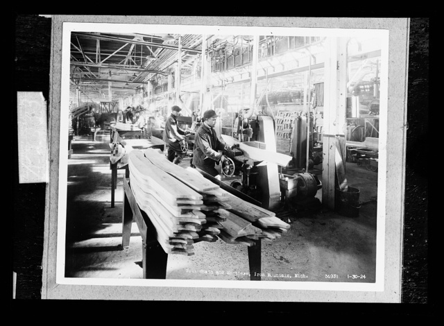 Sill chain and morticer, Iron Mountain, Mich.