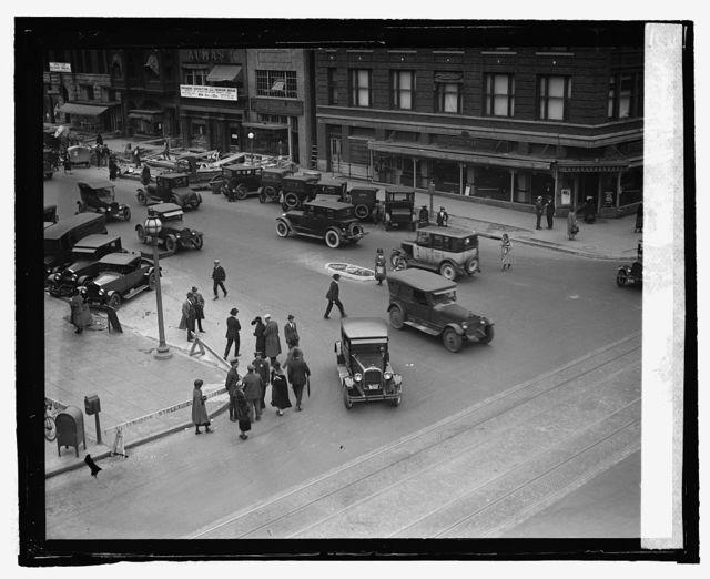 [Street scene, 13th & G Sts., Washington, D.C.]