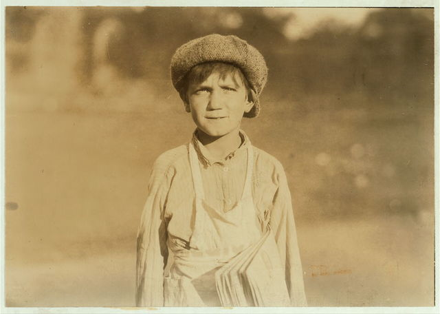 """[The newsboy, """"Jackie Coogan"""" of Hartford, Conn. One of the youngest. Aug. 26, 1924. ].  Location: [Hartford], Connecticut."""