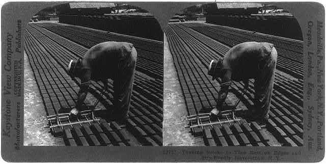 Turning bricks so they rest on edges and dry evenly, Haverstraw, N.Y.