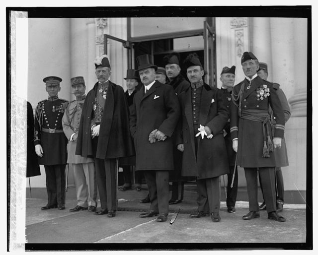 Amb. M. Emile Daeschner presents credentials to President, [1/30/25]