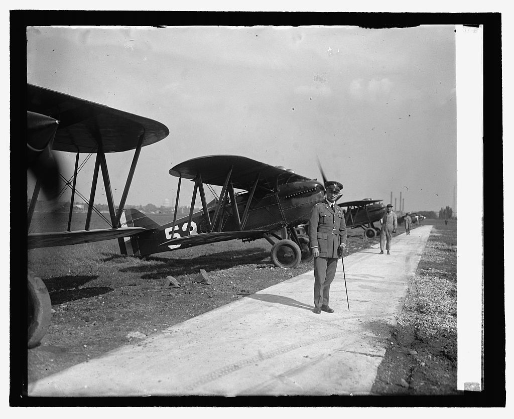 Col. Mitchell at Bowling [i.e., Bolling] Field, [10/6/25]