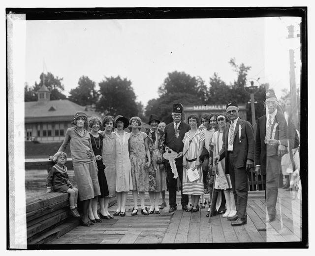 E. Schmidt & Grotto girls, Marshall H.