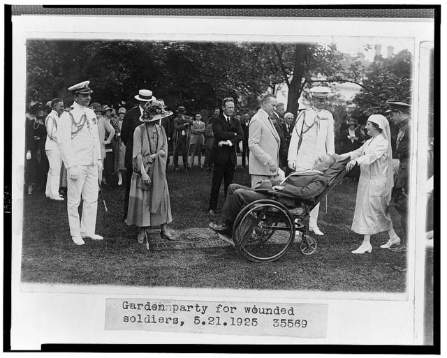 Garden party for wounded soldiers