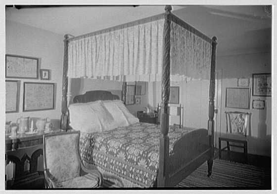 G.H. Buek, residence in East Hampton. Four poster bed