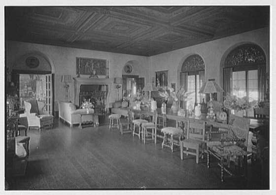 H.H. Rogers, residence in South Hampton [i.e., Southampton]. Living room I