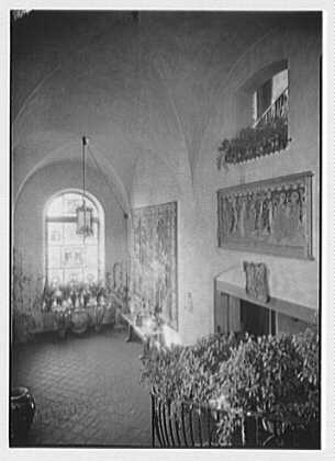 H.H. Rogers, residence in South Hampton [i.e., Southampton]. Looking down the hall stairs