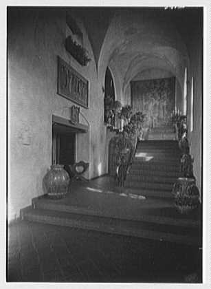 H.H. Rogers, residence in South Hampton [i.e., Southampton]. Looking up the hall
